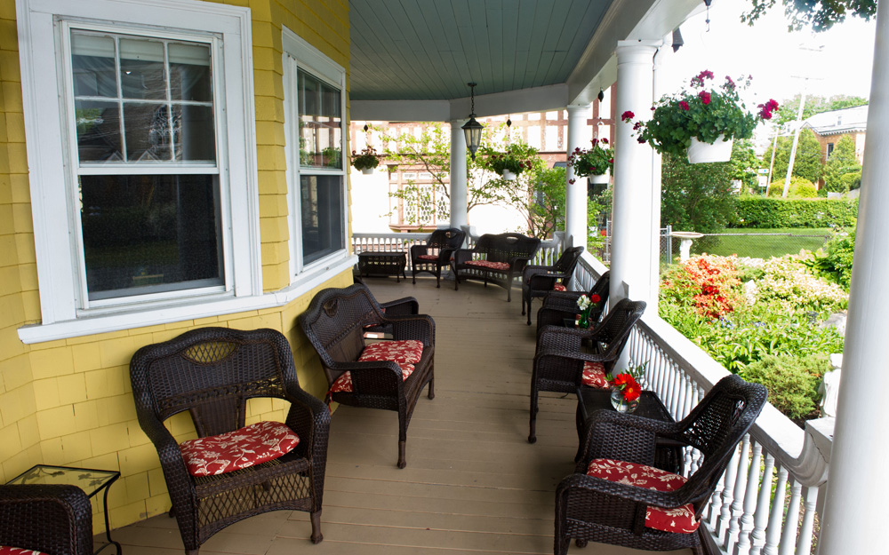 lodging accommodations in downtown bar harbor maine